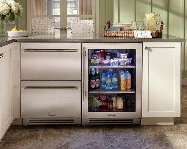 Холодильные ящики с встроенным холодильником под общей столешницей кухни