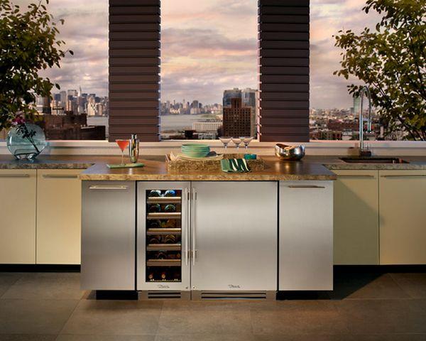 Шкафчики имеют фасады в цвет дверок холодильников
