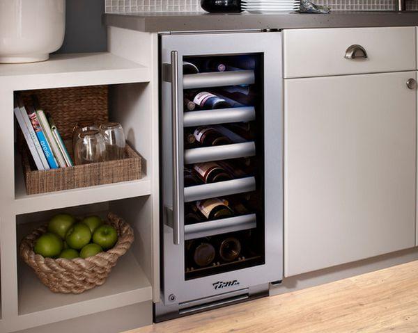 Внешний вид холодильника для винных бутылок