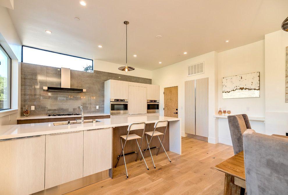 Cкладные стулья для кухни с подножкой