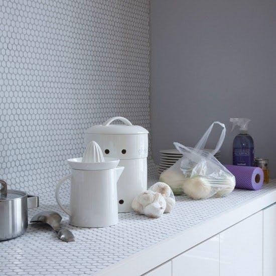 Кухонная столешница и фартук из плитки