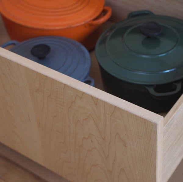 Глубокие выдвижные ящики для хранения кастрюль
