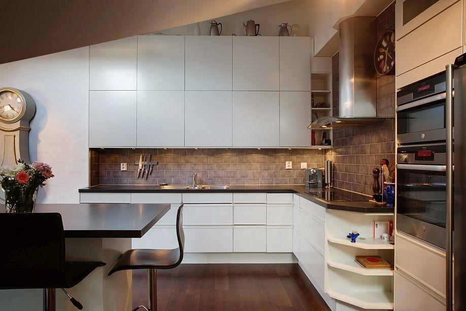 Лофт-дизайн белой кухни в скандинавском стиле