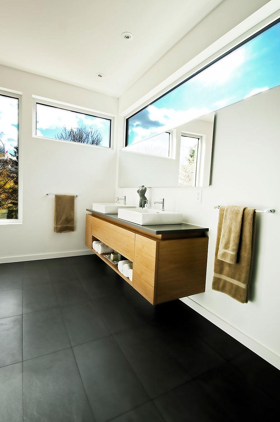 Белоснежная отделка интерьера ванной комнаты