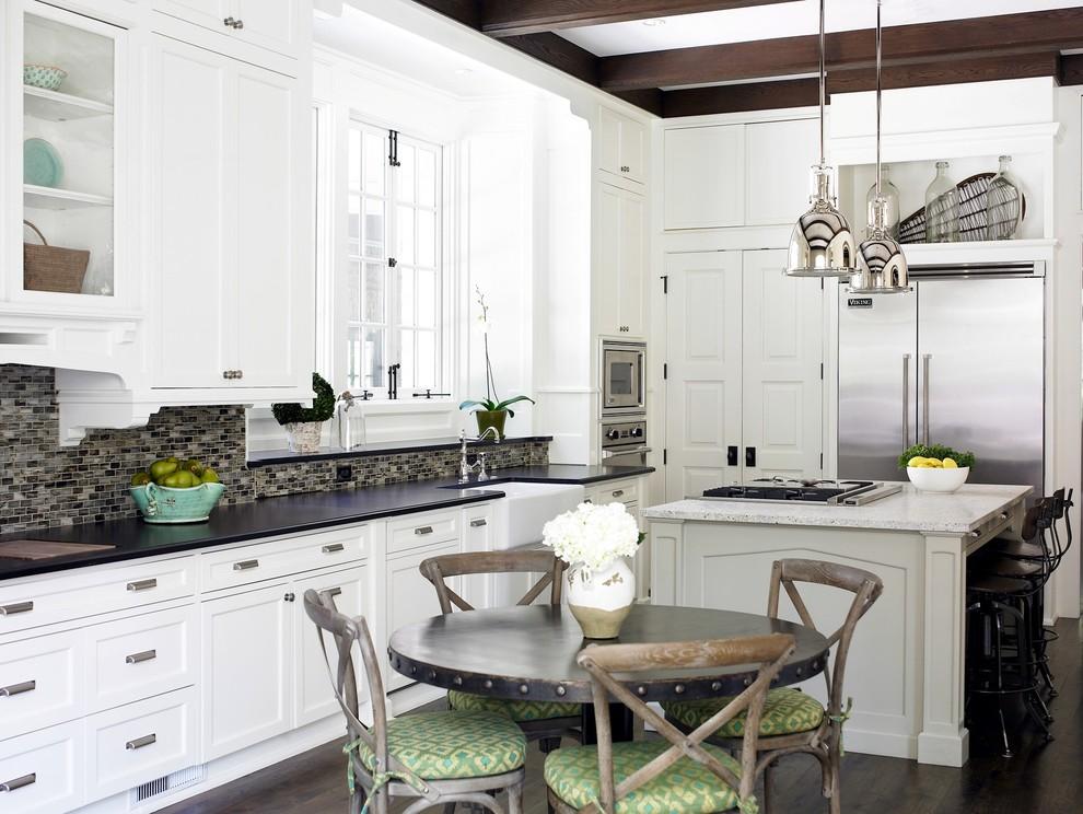 Потрясающий дизайн интерьера кухни в белой гамме от Brian Watford ID