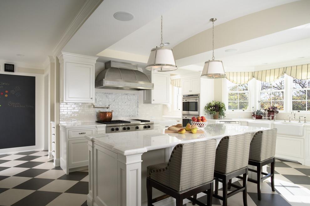 Потрясающий дизайн интерьера кухни в белой гамме от COOK ARCHITECTURAL Design Studio