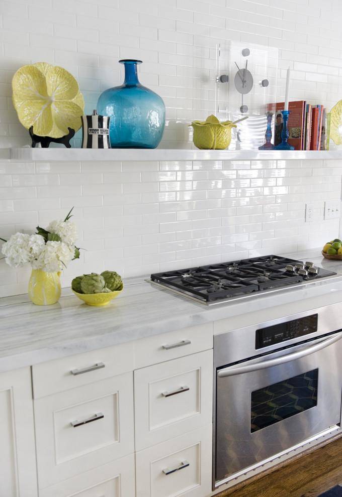 Потрясающий дизайн интерьера кухни в белой гамме от Luck Stone Center