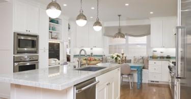 Потрясающий дизайн интерьера кухни в белой гамме