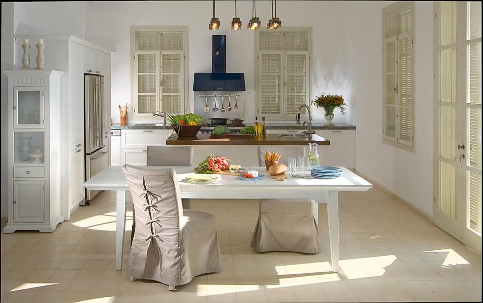 Потрясающий дизайн интерьера кухни в белой гамме от Elad Gonen