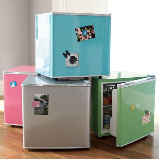 Яркие мини холодильники