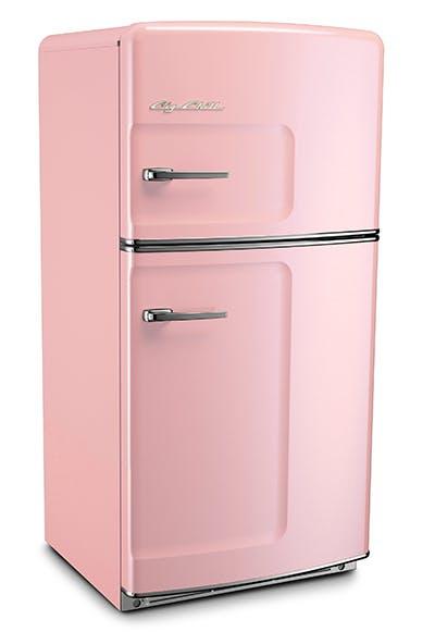 Яркий холодильник в ретро стиле
