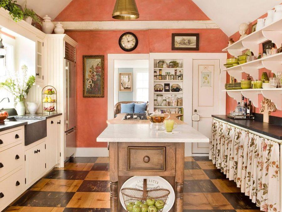 Яркие цвета в интерьере кухни в деревенском стиле