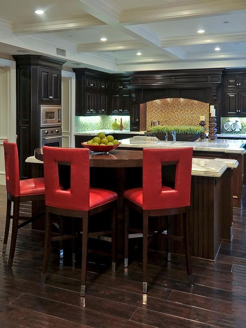 Яркие цвета в интерьере кухни - Фото 23