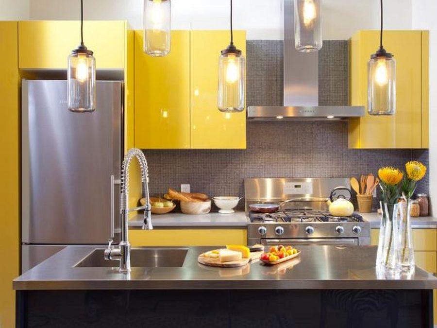 Яркие цвета в интерьере кухни - Фото 37