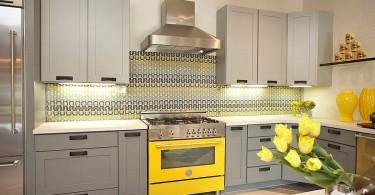Оригинальный дизайн интерьера кухни в серой гамме