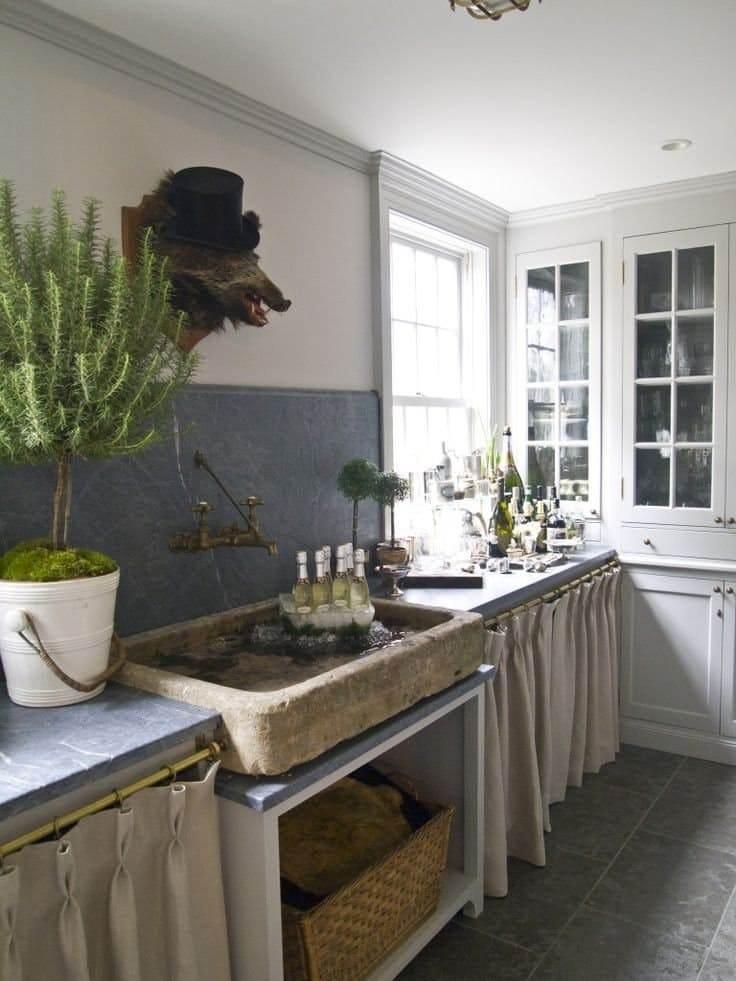 Занавески кухонных шкафов: хозяева степей отчаянные и немного сентиментальные